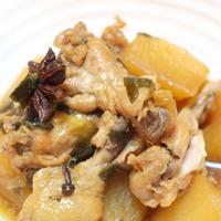 夕食☆鶏手羽元と大根の中華煮 海藻サラダ 粟米湯(コーンと玉子の中華スープ)