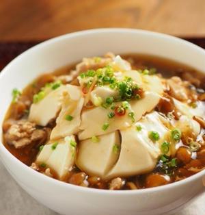 豆腐のなめこあんかけ丼 、 簡単おいしい豆腐のあんかけ