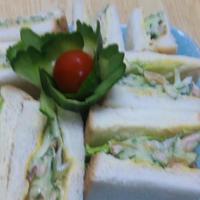キュウリとツナと福神漬けのサンドイッチ!     (キッチン ラボ)