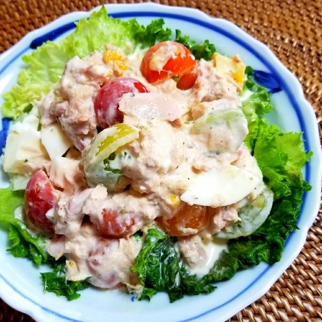 ミニトマト・ゆで卵・ツナのサラダ