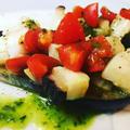 茄子の魚介とモッツァレラチーズをトッピングしたタパス