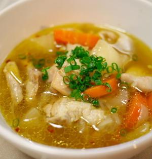 具沢山でご飯のおかず~ 鶏肉と大根とニンジンのスープ