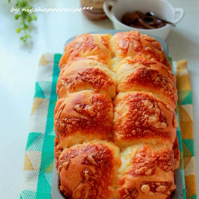 米粉のパンと、小麦のパン。