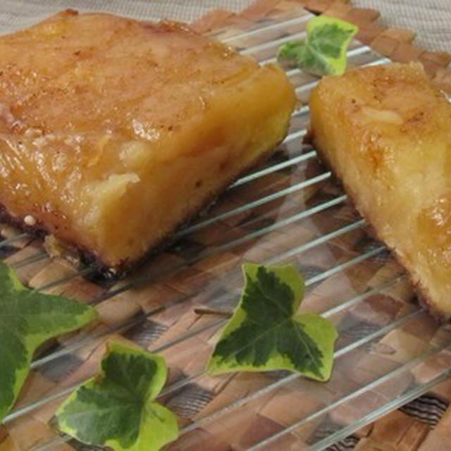 パウンド型でタルト・タタン風ケーキ