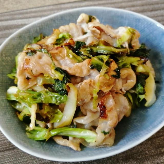 【簡単!】ねり梅で楽々味付け♪サッパリ豚肉とキャベツの梅しそ炒め