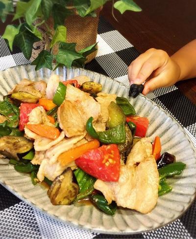初めてのお泊り会♪ と 切って炒めるだけ( ̄▽ ̄)夏野菜と豚肉のさっぱり炒め♪