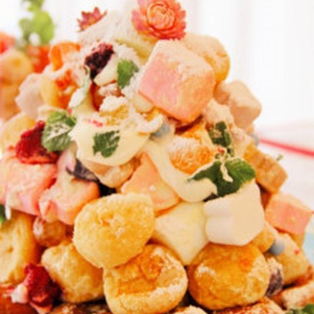 ホワイトカラーの「マシュマロ&シュークリームのシュータワー(クリスマスレシピ)」のレシピ紹介