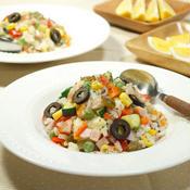 さっぱりいただけて暑い夏に嬉しい☆ハーブ香る!彩り野菜たっぷり!!15品目で栄養バランスもバッチリ♪インサラータ・ディ・リーゾ(イタリアンライスサラダ)