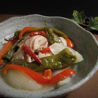 鶏肉と野菜のヌックマム煮込み