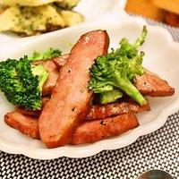 シャウエッセンのお肉で作ったあらびきミートローフとブロッコリーの炒め物 レシピ