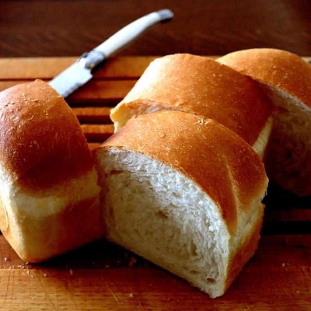やっぱり・・コンデンスミルク入りのミニ食パン♪