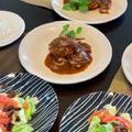 レッスン用ランチはハンバーグ、サラダにグレープフルーツドレッシング・揚げパンとコーンパン