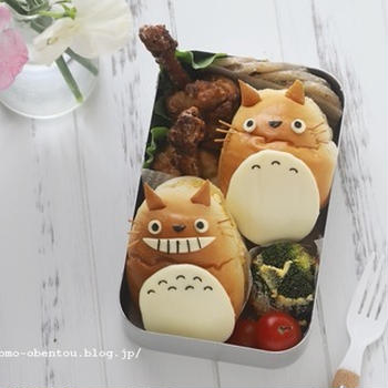 動画レシピ*市販のバターロールで作るトトロのサンドイッチ・キャラパン