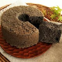 12cmの黒練りごまとバニラのシフォンケーキ