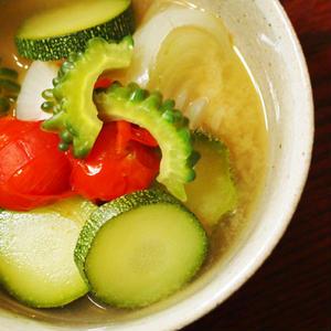 毎日食べたい旬の美味しさ♪夏野菜をたっぷり使った味噌汁レシピ
