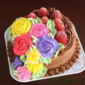 小さなケーキも、精一杯華やかに!4号サイズのフラワーデコ♡