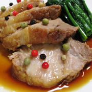 厚切り煮豚<カラフルペパーで彩り鮮やか>