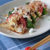 ヘルシー版カプレーゼ風!?焼きタケノコとトマトの和風カッテ―ジチーズサラダ