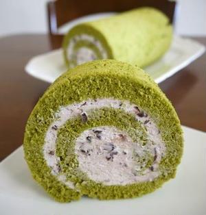 抹茶のロールケーキ♪あずきクリーム♪
