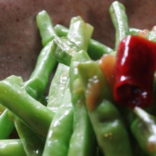 フーロー豆(十六ササゲ・長ササゲ ・ 三尺ササゲ 、・大角豆)のナンプラー炒め