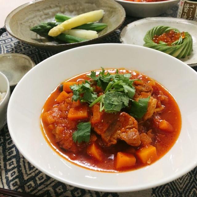 【志麻さんレシピ】塊肉で豪快に!豚肉のトマト煮込み【簡単】