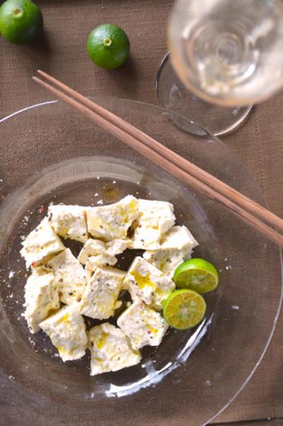 とうふのひろし屋の島豆腐(沖縄) × ワイン