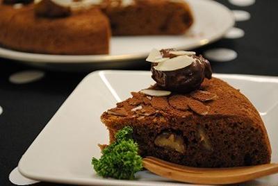 炊飯器と ホットケーキミックスで 簡単♪チョコレートケーキ ☆