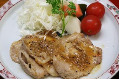 前回ご紹介したスペアリブのたれで焼いた豚肉料理