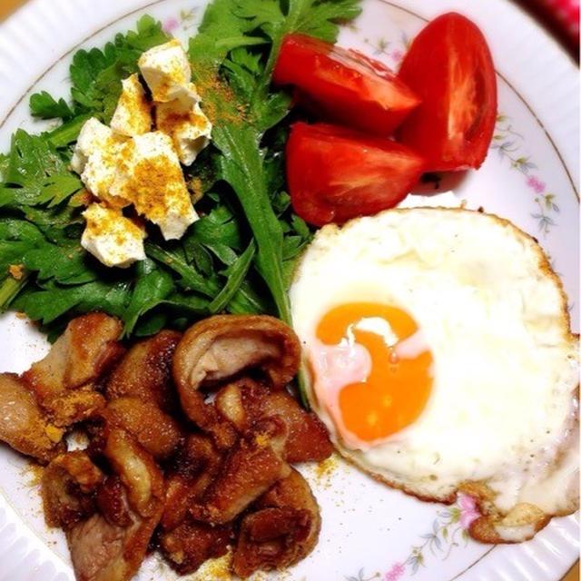 鴨脂身の朝食プレート。
