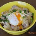 新玉ねぎが甘い「とろ~り卵の親子丼」~ポーチドエッグのせ~