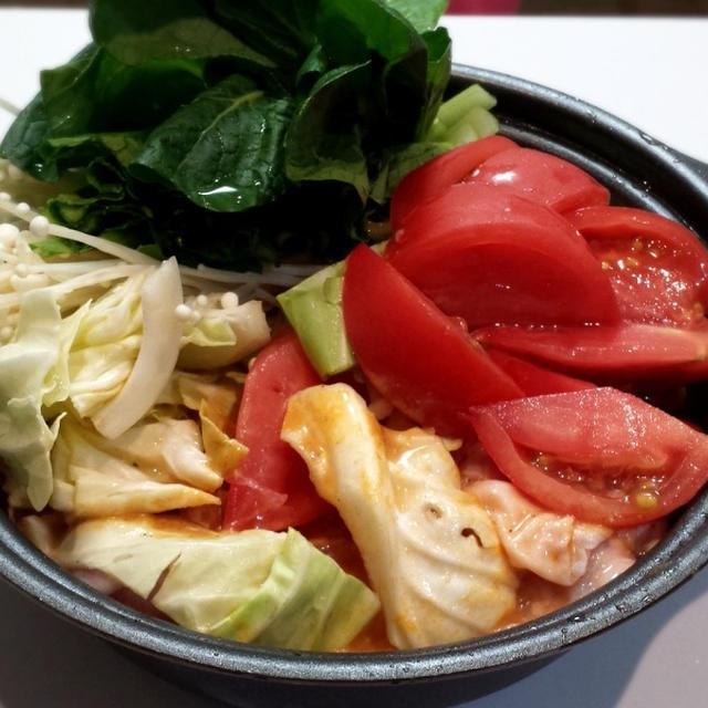 トマトたっぷりごま坦々鍋