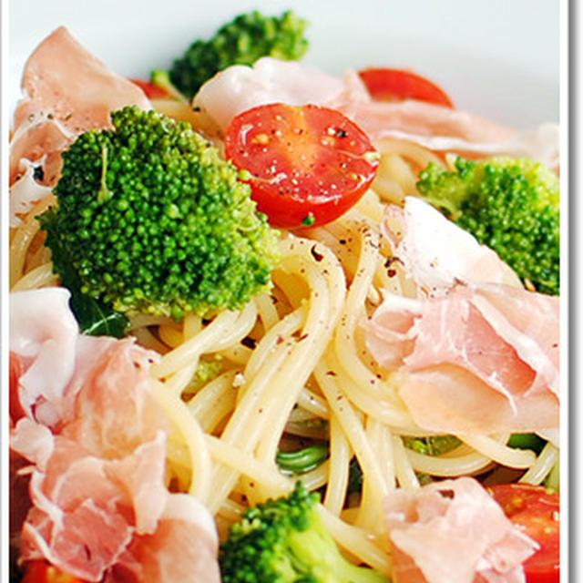 サンダニエーレ産生ハムとブロッコリーの冷製スパゲッティ