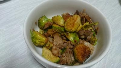 芽キャベツと豚肉のガーリックポン酢炒め