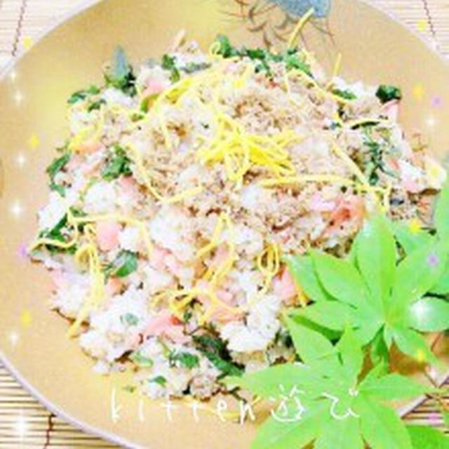 青魚を簡単に食べよっと!! サバ缶deサバおぼろのチラシ寿司(&大人の鶏ごぼうナゲット)