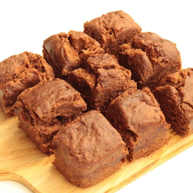 もちもちヘルシー!ホットケーキミックスと絹豆腐で豆腐ココア蒸しパンの作り方。卵なしのレンジで簡単レシピ
