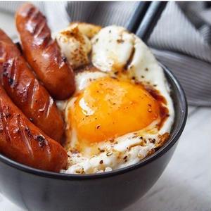 簡単ウマイ!ご飯がすすむ、飯テロ「#ウインナー丼」