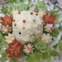 飾り切り野菜を添えて♪ セパレートポテトサラダ