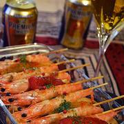特別な日は 我が家の三ツ星レシピとプレモルで乾杯! スペインバル風 天使の海老とエスカリバーダのチーズグリル バケット付