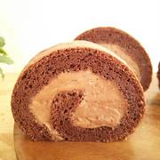 チョコレートクリームinココアシフォンロールケーキ