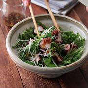 春菊とタコのサラダ。