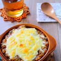 牛ひき肉と冷凍豆腐で作るキーマカレードリアのチーズ焼きのレシピ
