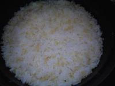 湯立てで白米(674)。。。茨城県産 奥久慈の棚田のコシヒカリ特別栽培米うまかっぺJA茨城みどり玄米(あいざわ米店)さて何でしょ???コシヒカリ白米(あいざわ米店)