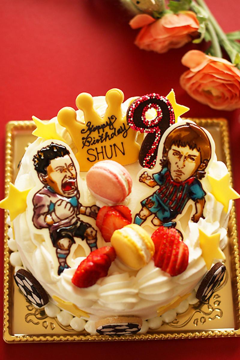 メッシと川島…サッカー選手のデコケーキ。ケーキの側面には、サッカーボールのクッキーが♪サッカー少年が...