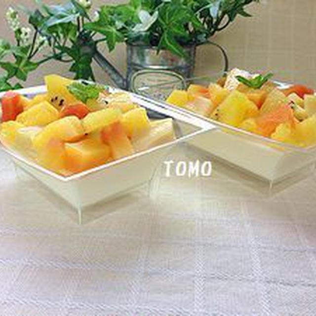 フルーツたっぷり♪杏仁豆腐