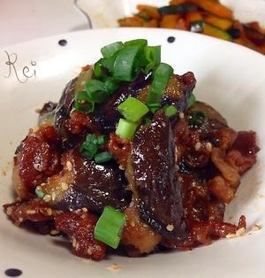 ナスとカリカリ豚の味噌炒め