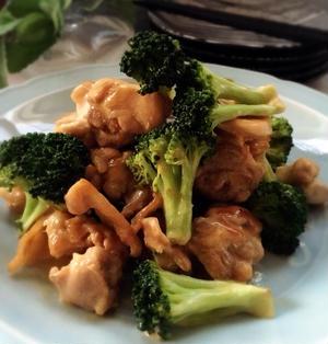 肉にも魚にも*こってり美味しい*鶏肉とブロッコリーのオイマヨ炒め