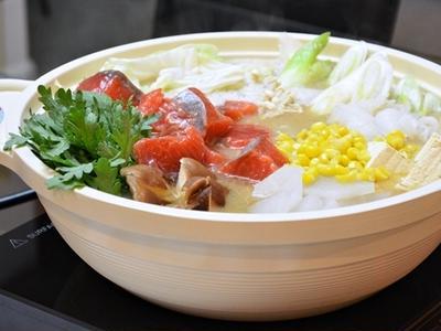 石狩鍋で体の芯からぽっかぽか。メイン食材「鮭」が持つ力とおいしいレシピ