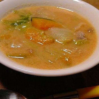 冬野菜と豚肉のピリ辛豆乳スープ♪