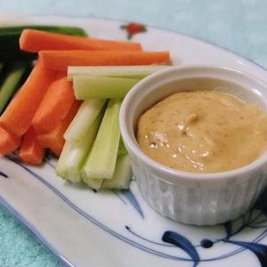 野菜がもりもり食べられる!「味噌入りディップ」レシピ8選