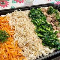 【鉄板ウィーク①】栃木県産にらたっぷり!4種の具材がおいしい子どもも食べられる辛くないピビンパ
